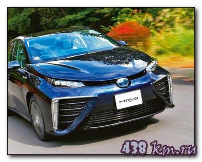 Toyota Mirai первый серийный автомобиль на водороде